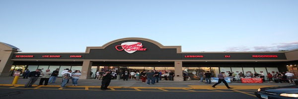 guitar center opens new store in southington ct bass frontiers magazine. Black Bedroom Furniture Sets. Home Design Ideas